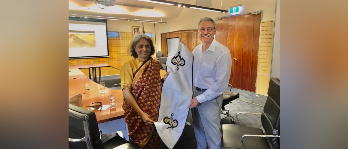 Consul General called on Mayor Peter Long, Mayor of the City of Karratha